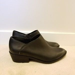 Lucky brand 9.5 black pewter leather ankle boots